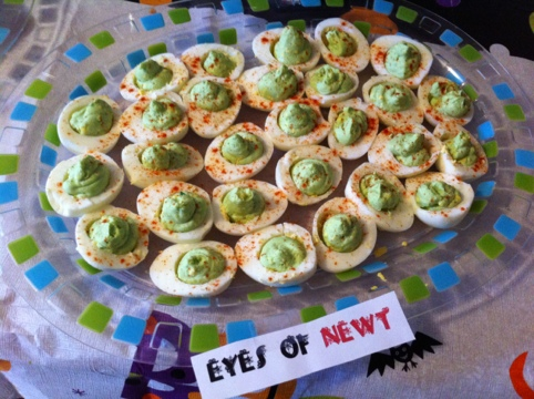 Halloween party hors d 39 oeuvres for 15 wickedly good appetizers to get your halloween party started