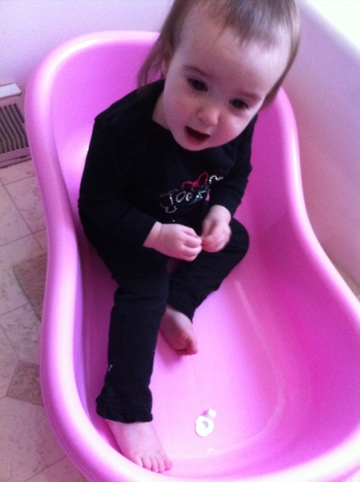 The Best Baby to Toddler Bathtub! » Life With Darcy and Brian
