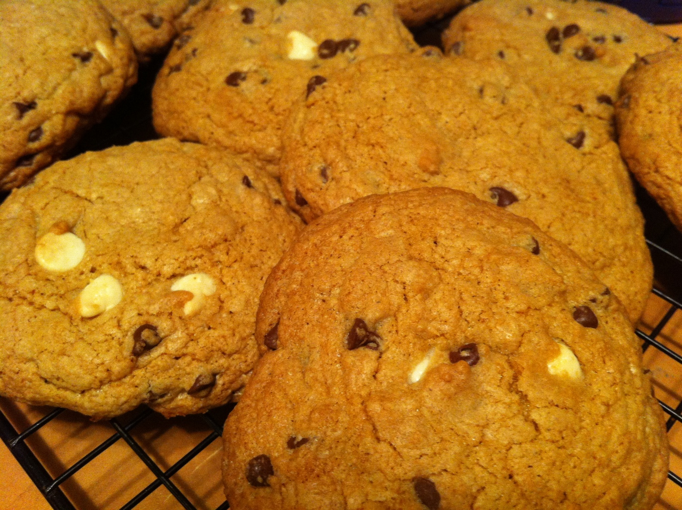 low sugar chocolate chip cookie