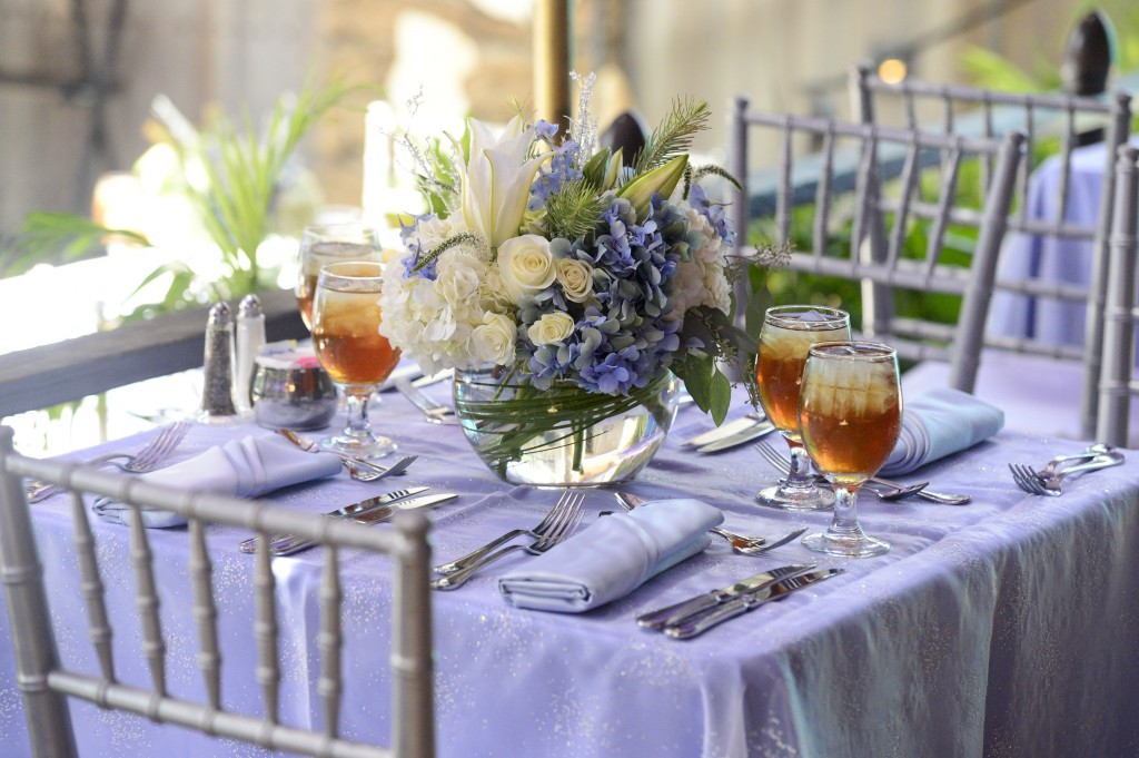 disneyland aladdin oasis table setting