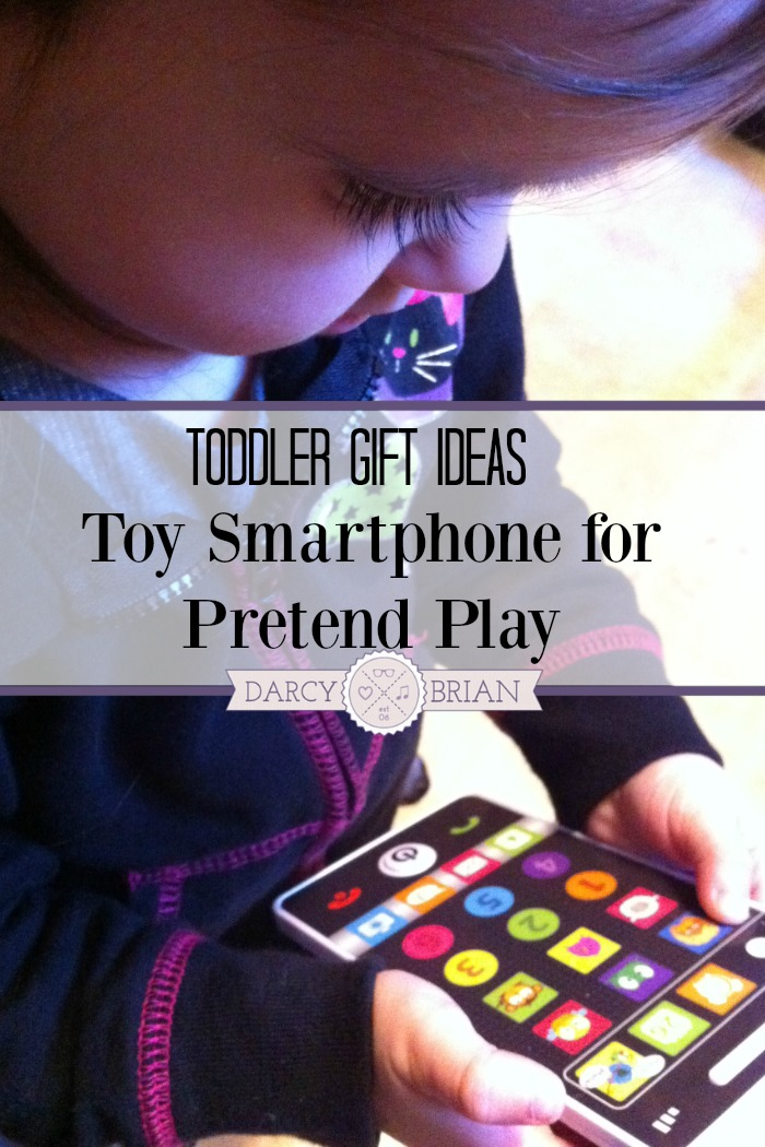 Looking for toddler gift ideas? This toy smartphone is fun for pretend play!