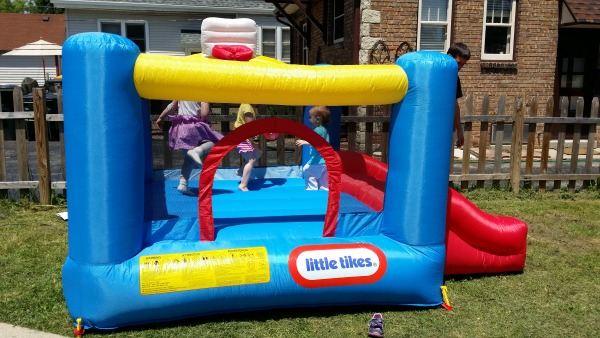 little tikes bouncer house
