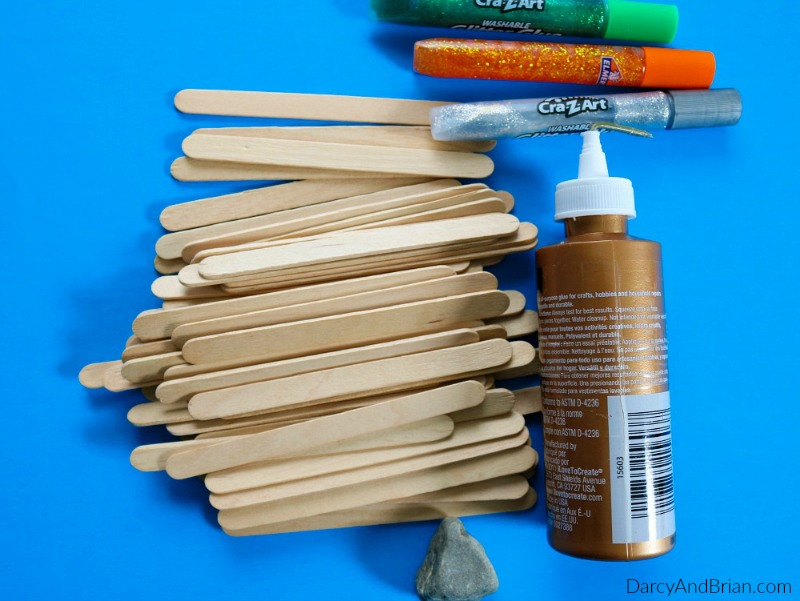 These are the craft supplies you will need to make this Father's Day kids craft.