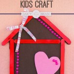 Looking for a popsicle stick craft for kids? Get the directions to make this cute Home is Where the Heart is magnet craft. Makes a great DIY gift from kids for Mother's Day or Father's Day.