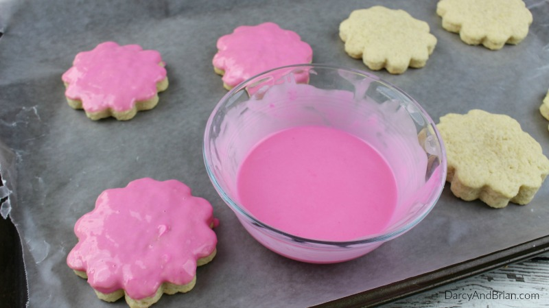 How to decorate sugar cookies with melted chocolate.