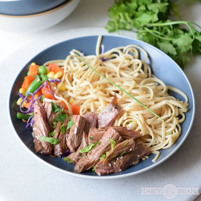 Need easy meal ideas? Get dinner on the table fast with this quick and easy Chinese Beef recipe! Minimal prep and only a few ingredients make this excellent for busy nights.
