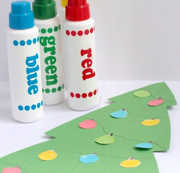 Fun and easy Christmas tree kids craft using Dot Markers.