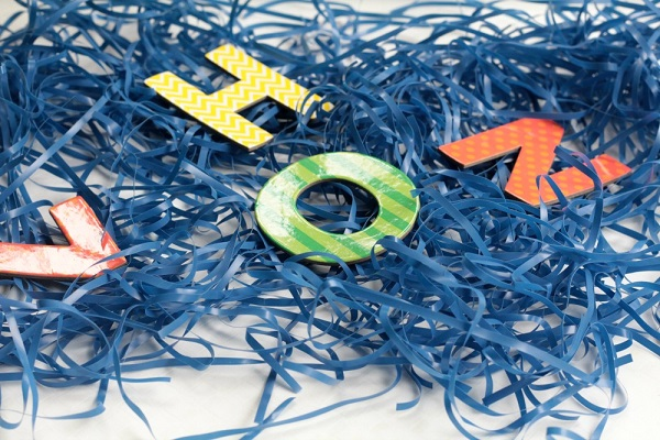 Kids will love this Fishing for Letters Magnetic Sensory Bin! It's a fun hands-on activity that helps young children work on letter recognition. Perfect for preschool and kindergarten age kids!