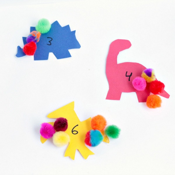 Pom pom counting activity for kids