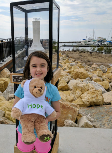 Give Hope bear for childhood cancer at marina