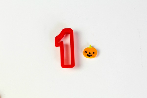 How to use mini pumpkin erasers to teach counting