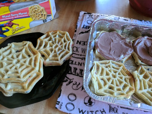 How to make an icebox cake with Eggo waffles