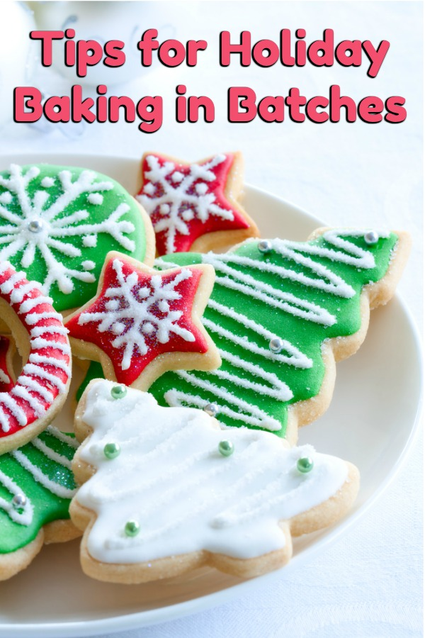 Want to prepare for Christmas ahead of time and be less stressed? Check out our tips for holiday baking in batches and you'll be ready in no time! #ad #Christmas #bakingtips #holidaybaking