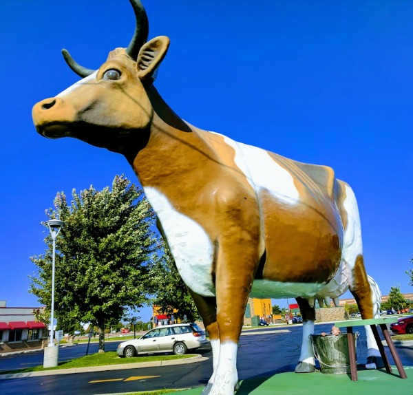 Bessie the Cow roadside attraction in Janesville Wisconsin