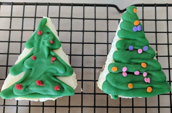 Frozen Cheesecake Christmas Trees Tutorial