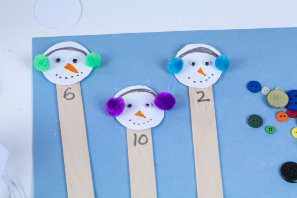 How to set up snowman counting activity for preschoolers