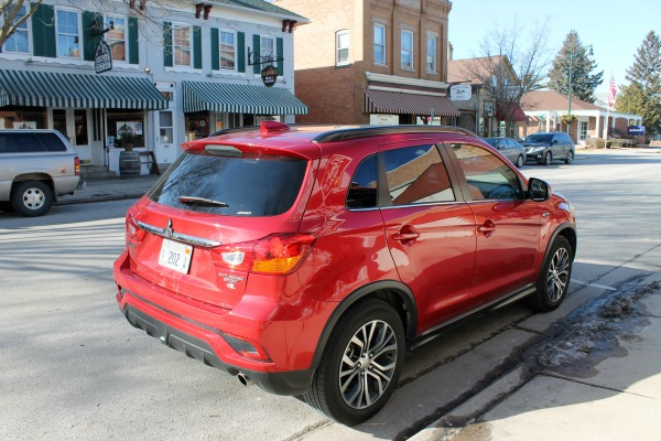Mitsubishi Outlander parked in downtown Cedarburg
