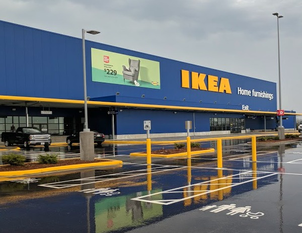 Front of the IKEA store in Oak Creek Wisconsin
