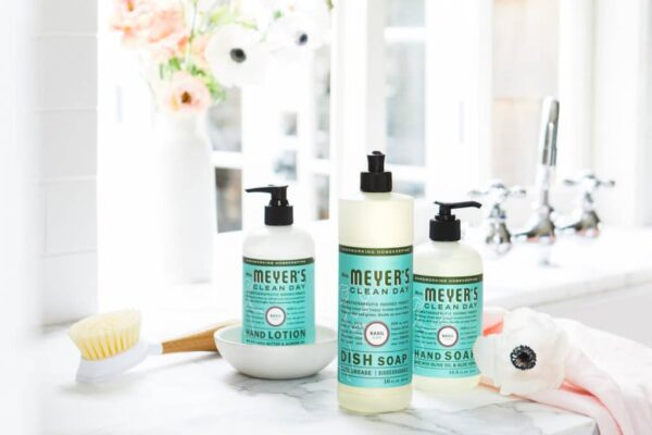 Free Mrs Meyers products kit