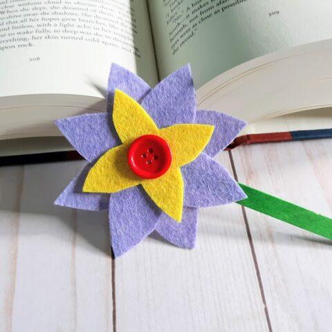 Easy Felt Flower Bookmarks
